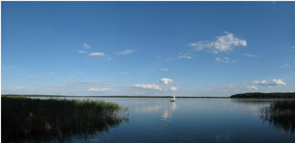 Widok na jezioro Mazury